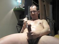 Mature Wanker Use A Toy